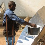 Testing the solar cookers, Chad. Photo credits: MAGIS Italy