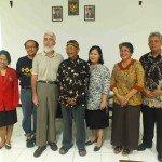 Pedro Walpole con el Obispo Julianus Kemo Sunarko, SJ de la Diócesis de Purwokerto en Indonesia.