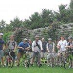Garrett (segundo desde la izquierda), con otros novicios de clases de entrada 2010 y 2011 en un recorrido en bicicleta de Saint Paul y Minneapolis, MN en los Estados Unidos, durante la semana de orientación 2011. Foto de: G Gundlach