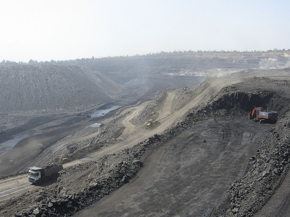 Why there is local opposition to coal mining in Karanpura Valley in Jharkhand, India