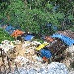 Extracción minera de oro blanco en la selva, sur de Filipinas. Foto de: P Walpole