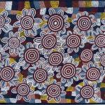 El legado de contacto en los pueblos indígenas de Australia se refleja en la cultura tangible indígena contemporánea, es este caso en la obra del artista del desierto occidental Adrian Tjupurrula en su pintura Pueblos Pintupi en Kintore superarando los problemas de la inhalación de gasolina. Foto de: C Story