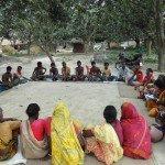 Gram Parishad o asamblea local es llamada Manjhi Baishi por los Santal, es la organización social tradicional. Foto des: Caritas Bangladesh-Dinajpur