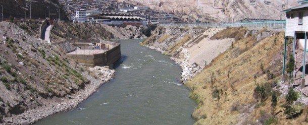 El río Mantaro en La Oroya, Perú. Foto de: eliseosebastian.ning.com