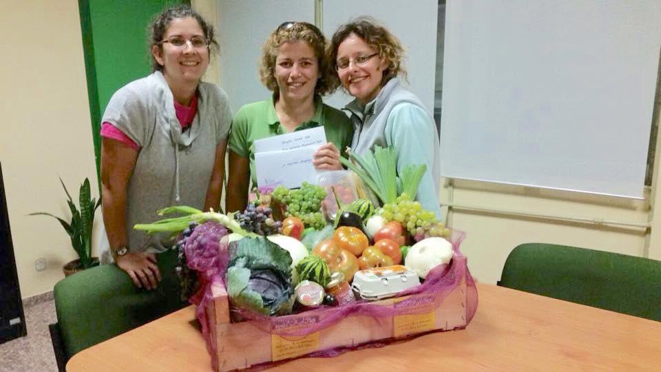 Los productos del jardín orgánicos se vendieron durante el evento Mercadillo Ecológico y Solidario.