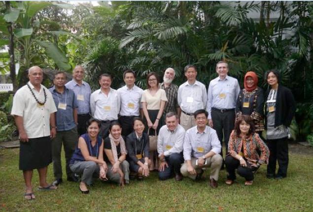 Forêts et des sécheresses membres de l'équipe de l'étude se sont réunis à Bangkok, en Thaïlande Août dernier 2015 pour partager leurs découvertes et expériences