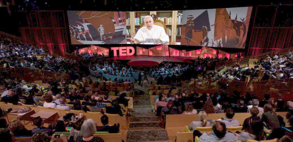 Le pape François en regardant l'avenir par un «vous»