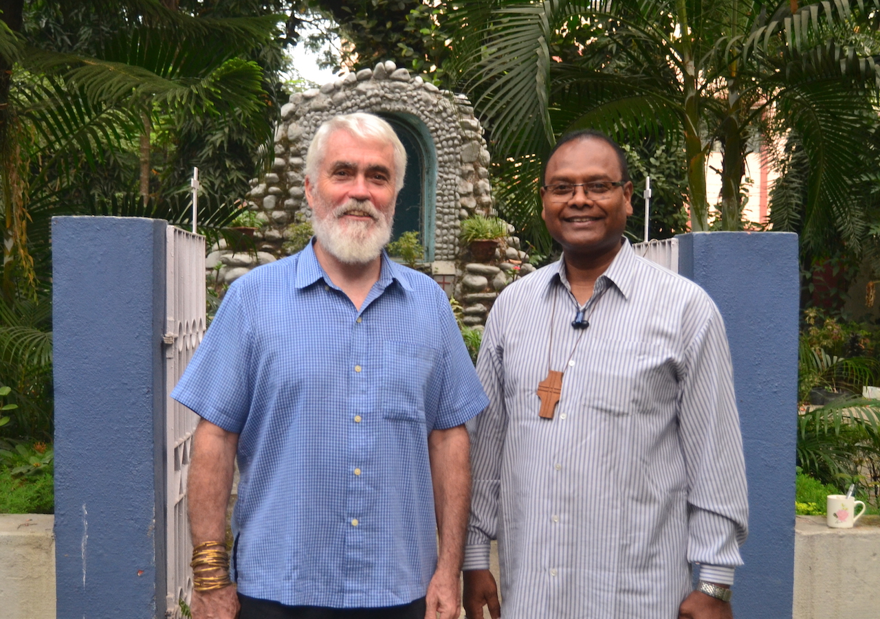 Ecojesuit Global Coordinator Pedro Walpole SJ and Bishop Aind discussed the need to create opportunities for the people and motivate them to envision a better future for themselves in Bagdogra.